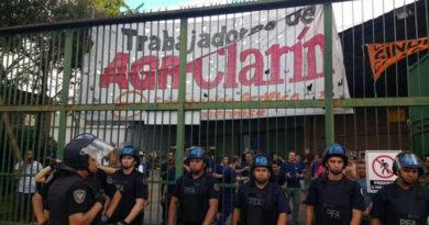 Fuerte represión a trabajadores de AGR-Clarín