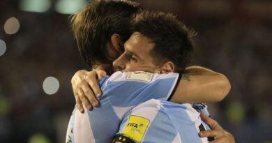 Argentina jugó mal y sufrió, pero le ganó a Chile